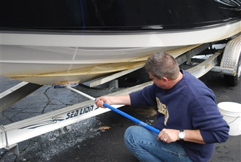 Best Cleaners for Boat Bottoms - Great Lakes Scuttlebutt